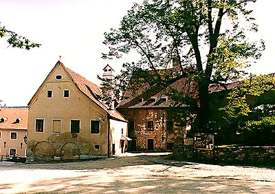 Castle no. 58, Old Burgrave's house, facade of building from I. courtyard of Český Krumlov Castle