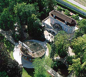 Aerial view of Revolving Auditorium and Summer Manor Bellarie in the Český Krumlov Castle Gardens, foto: Libor Sváček