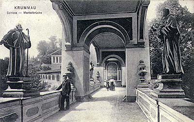 Český Krumlov, historical photo of the passage across the Cloak Bridge