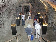 International Gallery of Ceramic Design in Václav´s Cellars at the Český Krumlov Castle, 2001, foto: Lubor Mrázek